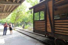 旅游参观老铁路平台在redtory创造性的公园,广州市,瓷 图库摄影