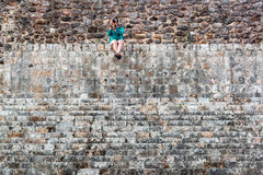 旅游和玛雅废墟 免版税库存图片