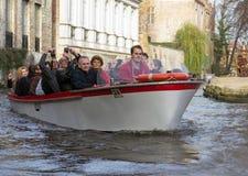 旅游小船在布鲁基,比利时 库存照片