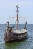 旅游的船 免版税库存图片