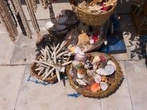 旅游纪念品在卡斯卡伊斯在里斯本葡萄牙附近的爱都酒店 库存图片