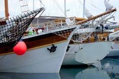 旅游船在港口 库存图片