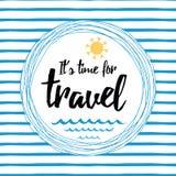 旅行与激动人心的行情的镶边的印刷卡片,太阳,海挥动,海洋 免版税库存图片