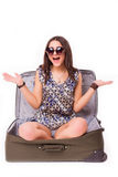 旅行假期概念青少年与在白色的行李 免版税库存照片