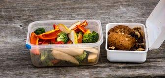 旅行午餐的健康食物 免版税库存照片