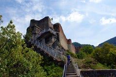 旅行向罗马尼亚:Poienari堡垒废墟  库存照片