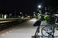 旅行和在晚上 免版税库存照片