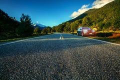旅行在令人想往的国家公园南方的旅游驱动新 图库摄影