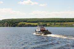 旅行在伏尔加河的小船 库存图片