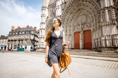 旅行在南特市,法国的妇女 库存图片
