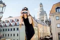 旅行在德累斯顿市,德国的妇女 图库摄影