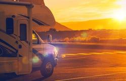 旅行在露营者货车 免版税图库摄影