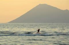 旅行在manado,北部苏拉威西岛,印度尼西亚的Watersports 库存图片