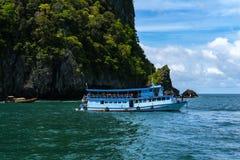 旅行小船,安达曼海, Trang顶面旅游胜地在泰国,美丽的目的地在亚洲,暑假,室外vac 免版税图库摄影