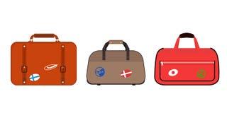 旅行旅游业时尚行李或行李假期把柄皮革大包装公文包和远航目的地装入袋子 免版税图库摄影