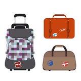旅行旅游业时尚行李或行李假期把柄皮革大包装公文包和远航目的地装入袋子 库存图片