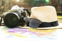 旅行是打开世界 库存照片