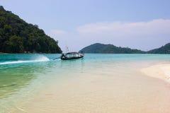 旅行泰国,素林海岛作为在海的秀丽以为特色的旅游目的地 库存图片