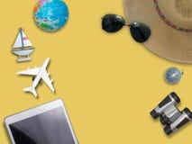 旅行环球为您五颜六色的生活 享用滑稽 免版税图库摄影