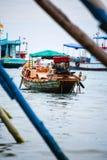 旅行的小船在海洋 免版税图库摄影