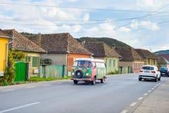 旅行的罗马尼亚乘露营车汽车 免版税库存照片