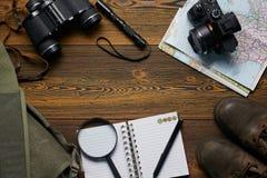 旅行的顶视图设置了与拷贝空间 免版税库存照片