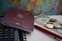 旅行计划和预算 免版税库存照片