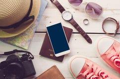 旅行辅助部件打扮旅行的费用 免版税图库摄影