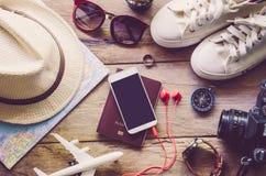 旅行辅助部件服装 旅行的费用 库存图片