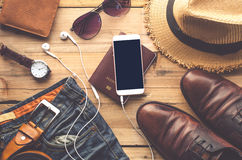 旅行辅助部件服装 旅行的费用 免版税图库摄影