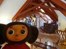 旅行通过西班牙和Cheburashka 库存照片
