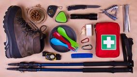 旅行集合 野营或远足的旅游成套装备 图库摄影