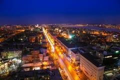 从旅馆万豪屋顶的夜都市风景赞成革命的 免版税库存图片