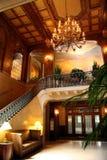 旅馆内部大厅 免版税库存照片