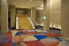 旅馆内部现代 免版税库存照片
