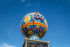 巴黎旅馆和赌博娱乐场热空气迅速增加标志-拉斯维加斯,内华达,美国 库存图片