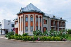 旅馆在村庄Halbstadt在俄罗斯 库存图片