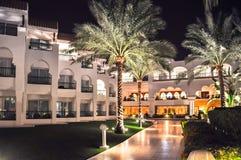 旅馆在沙姆沙伊赫在晚上,埃及 库存照片