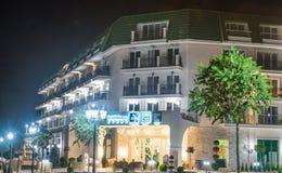 旅馆在Kranevo在晚上,保加利亚 库存图片