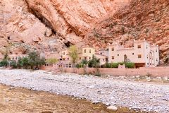 旅馆在Todgha峡谷 摩洛哥 库存图片