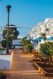 旅馆大厦和游泳池复合体在竞技场旅馆里在Corralejo,西班牙 库存图片