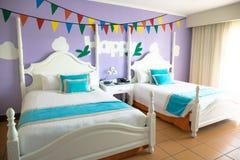 旅馆客房内部-两供室住宿 免版税库存图片