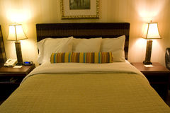 旅馆客房内部 免版税图库摄影