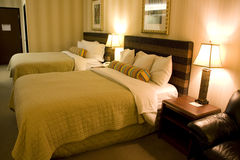 旅馆客房内部 免版税库存图片