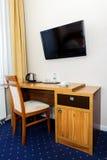 旅馆客房工作书桌 免版税库存图片