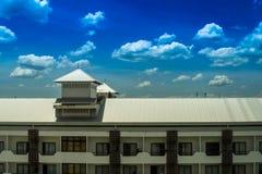 旅馆屋顶 免版税图库摄影