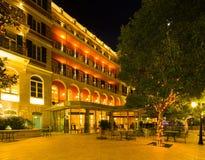 旅馆希尔顿Lluminated门面皇家在杜布罗夫尼克 免版税库存照片