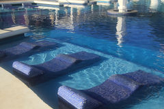 旅馆手段游泳池 库存照片