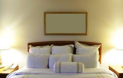 旅馆枕头 免版税库存照片