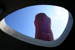 旅馆波尔塔Fira,摩天大楼旅馆由伊东丰雄设计了。 库存照片